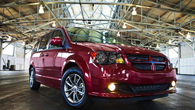 2014-dodge-grand-caravan-30th-anniversary-edition-4-1