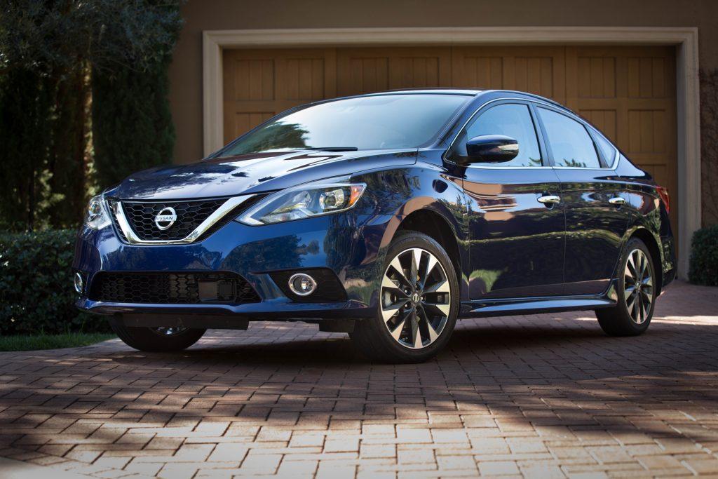 2016-Nissan-Sentra-SR-front-three-quarter