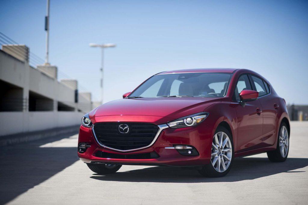 2017-Mazda3-front-three-quarter-02
