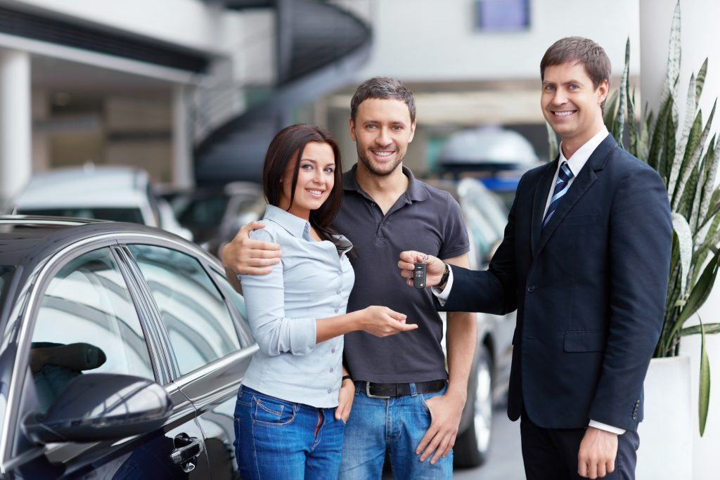 couple approve car loan